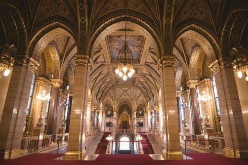 parlament-w-budapeszcie-od-srodka