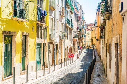 urocza uliczka w Lizbonie