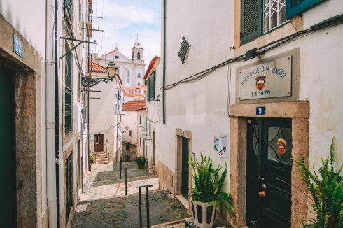 uliczka w Alfamie