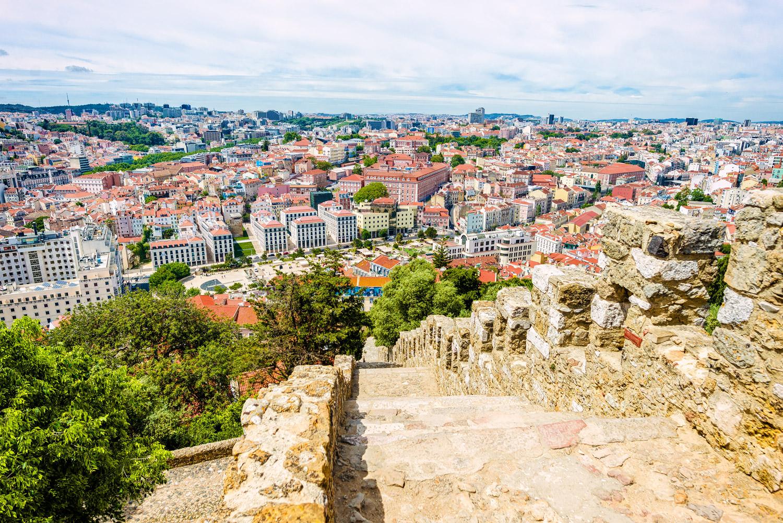 widok z zamku Świętego Jerzego w Lizbonie
