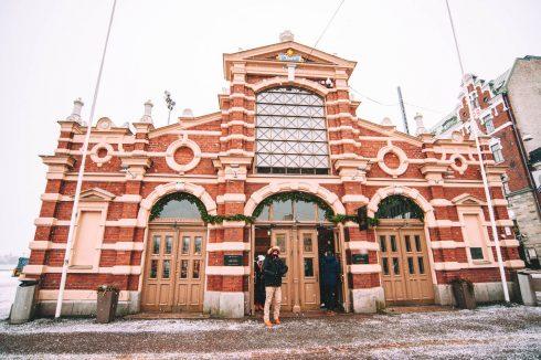 stara hala targowa w Helsinkach