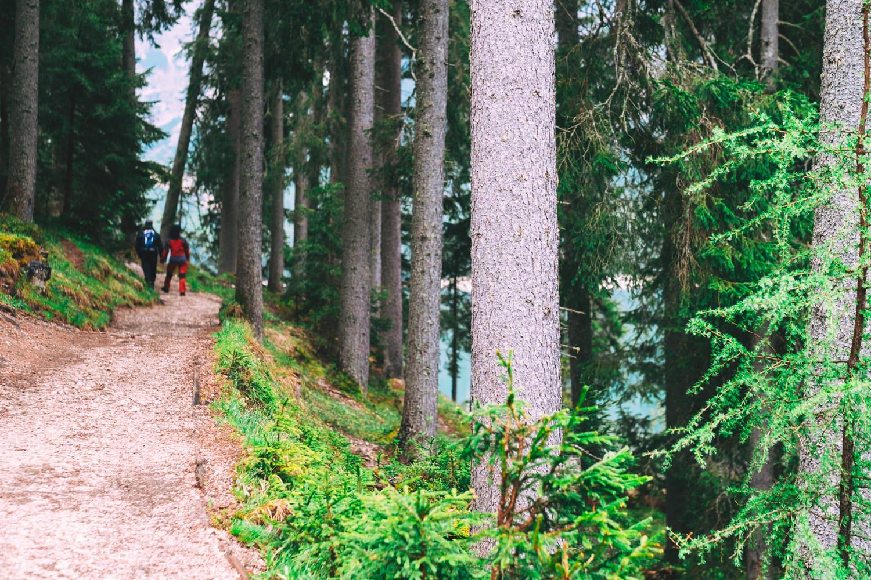 szlak pieszy jezioro braies